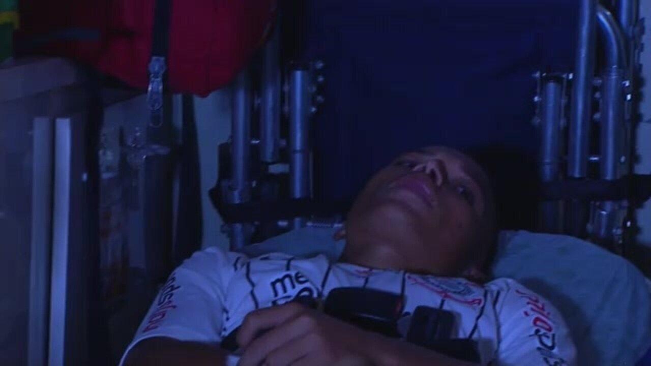 Janderson, do Corinthians, é levado a hospital em Goiânia