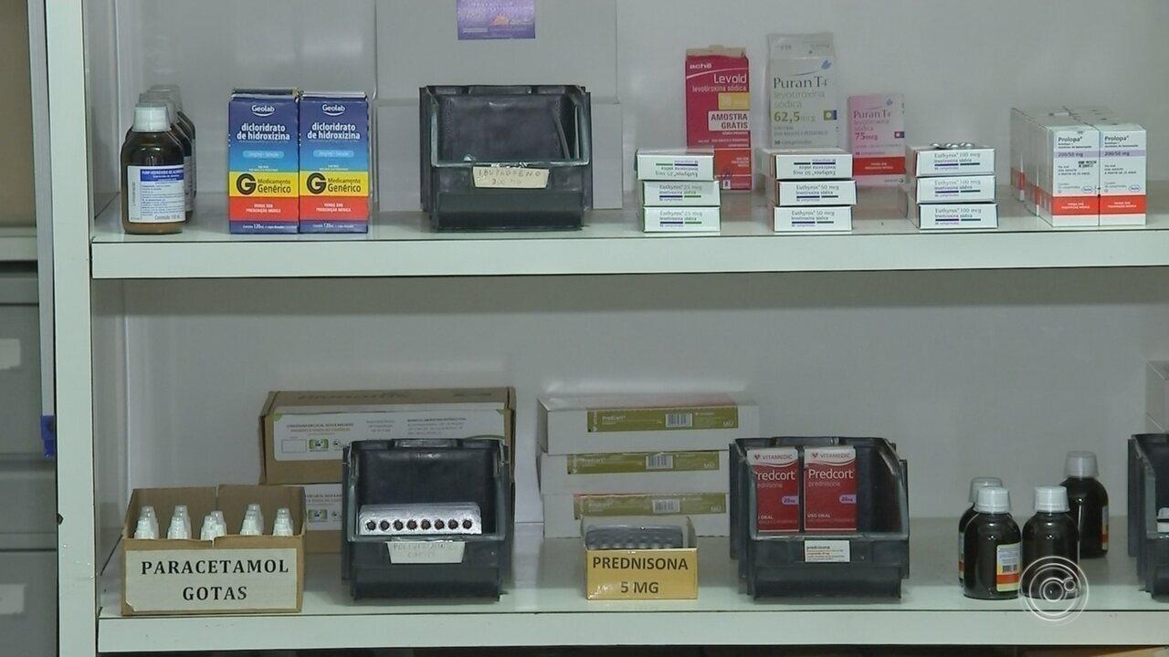 Após reclamações, distribuição de medicamentos é normalizada na farmácia de Alumínio