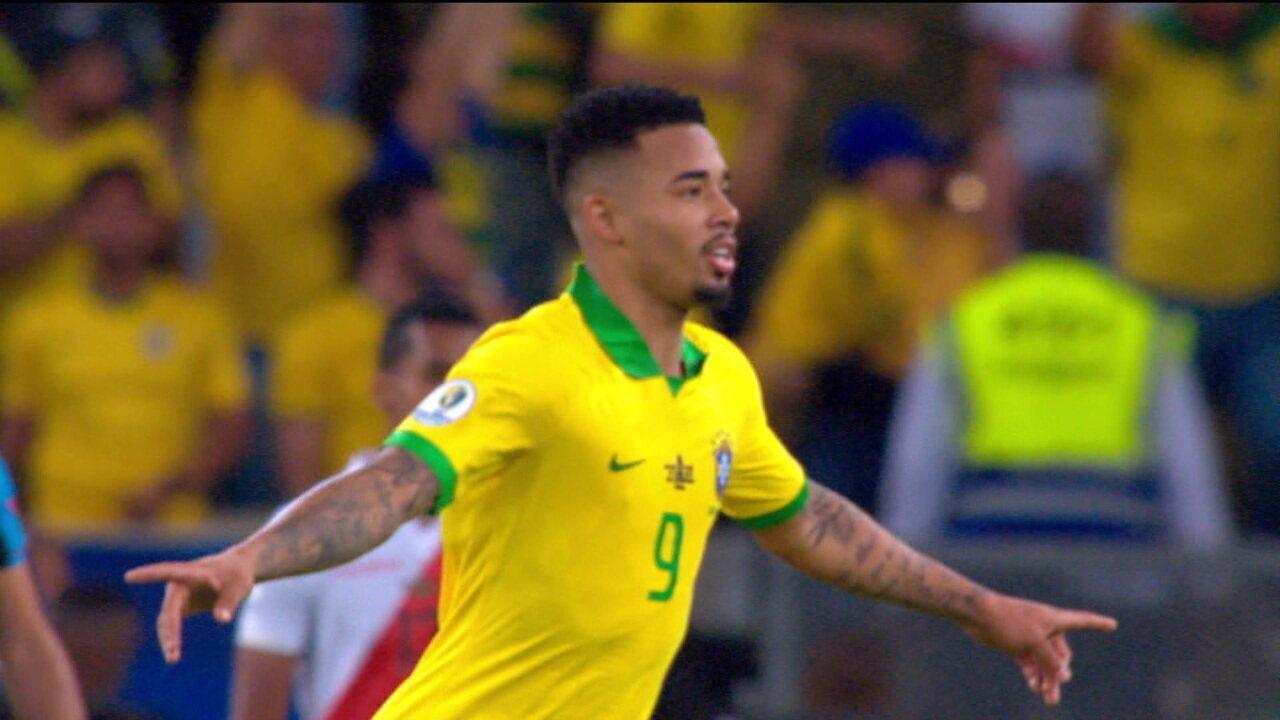 Gabriel Jesus dá assistência, marca um gol, é expulso e chora, mas no final comemora título da Copa América