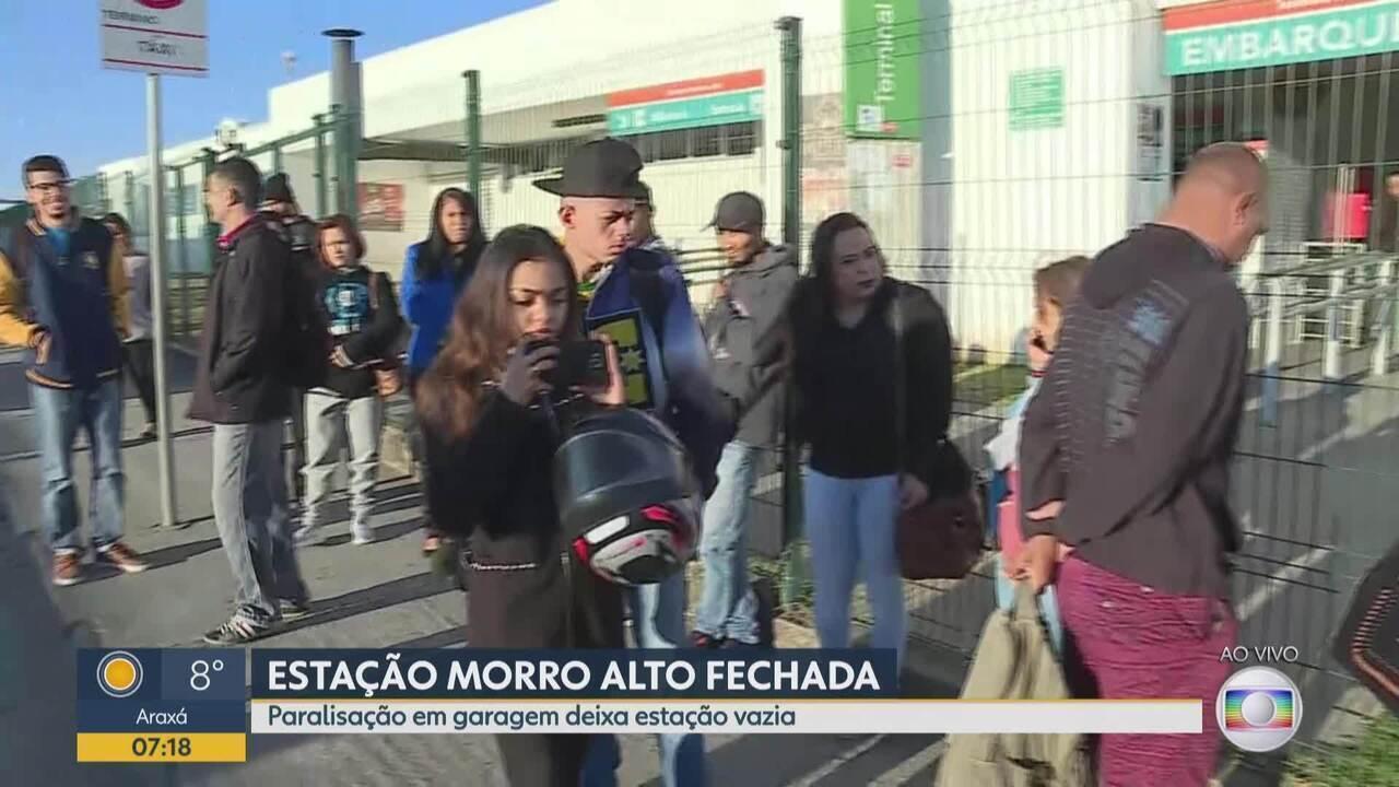 Estação de ônibus do Morro Alto, em Vespasiano, amanhece fechada nesta segunda-feira