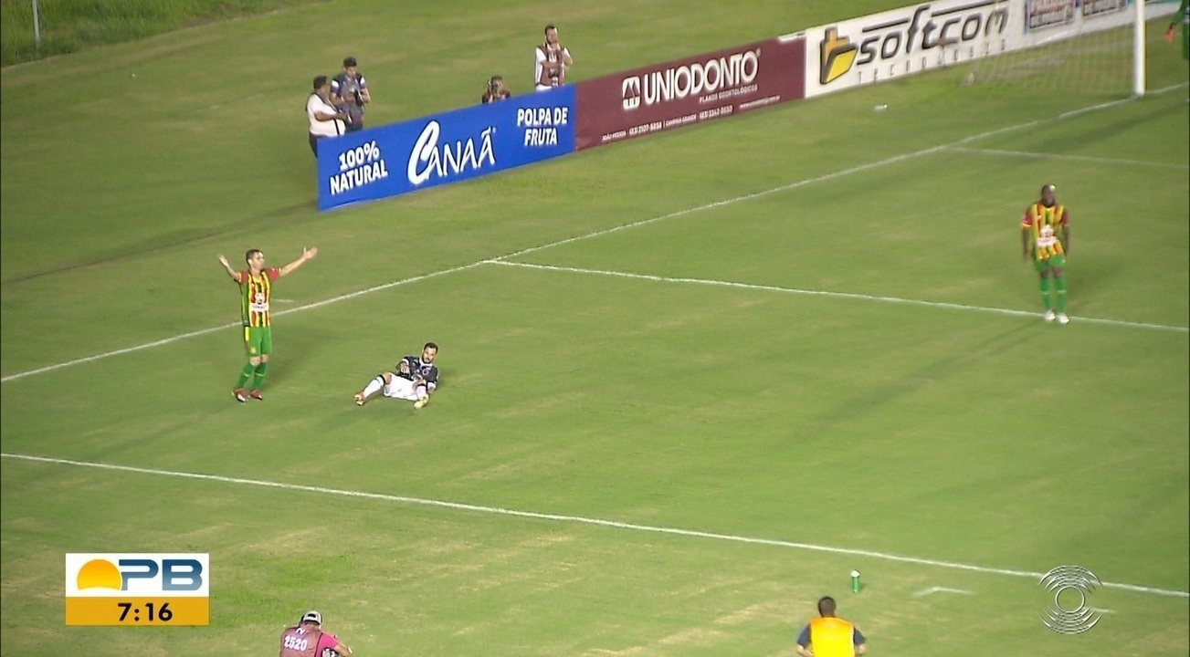 Veja como foi a vitória do Sampaio Corrêa sobre o Botafogo-PB no Almeidão
