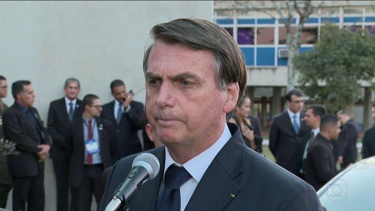 Bolsonaro diz que pretende indicar o filho Eduardo para embaixada dos EUA