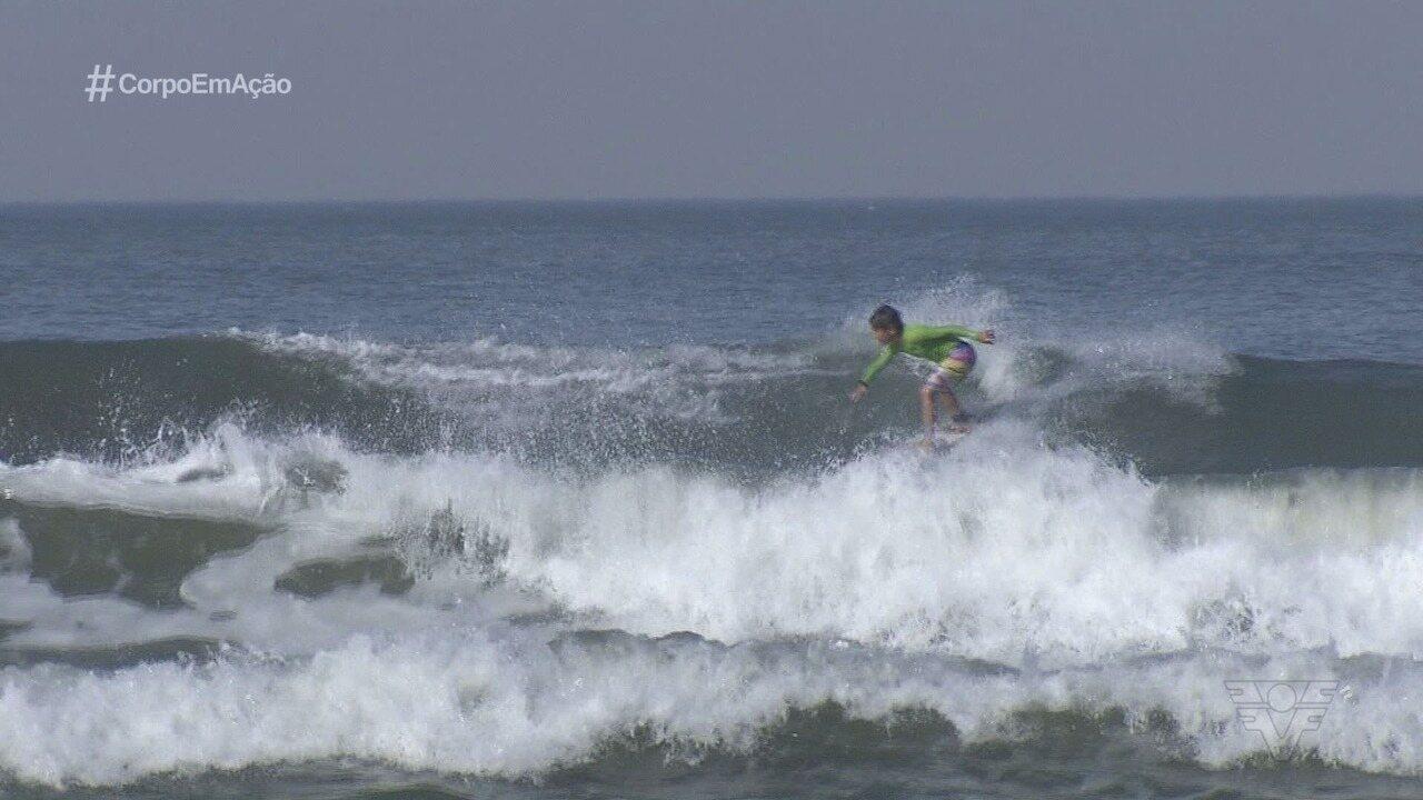 Conheça Vini Palma, o garoto que é promessa do surfe em Praia Grande