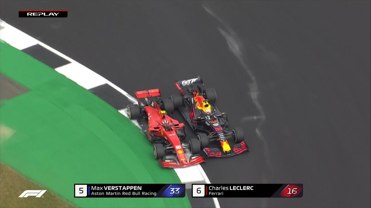 Confira o momento do toque entre Verstappen e Leclerc