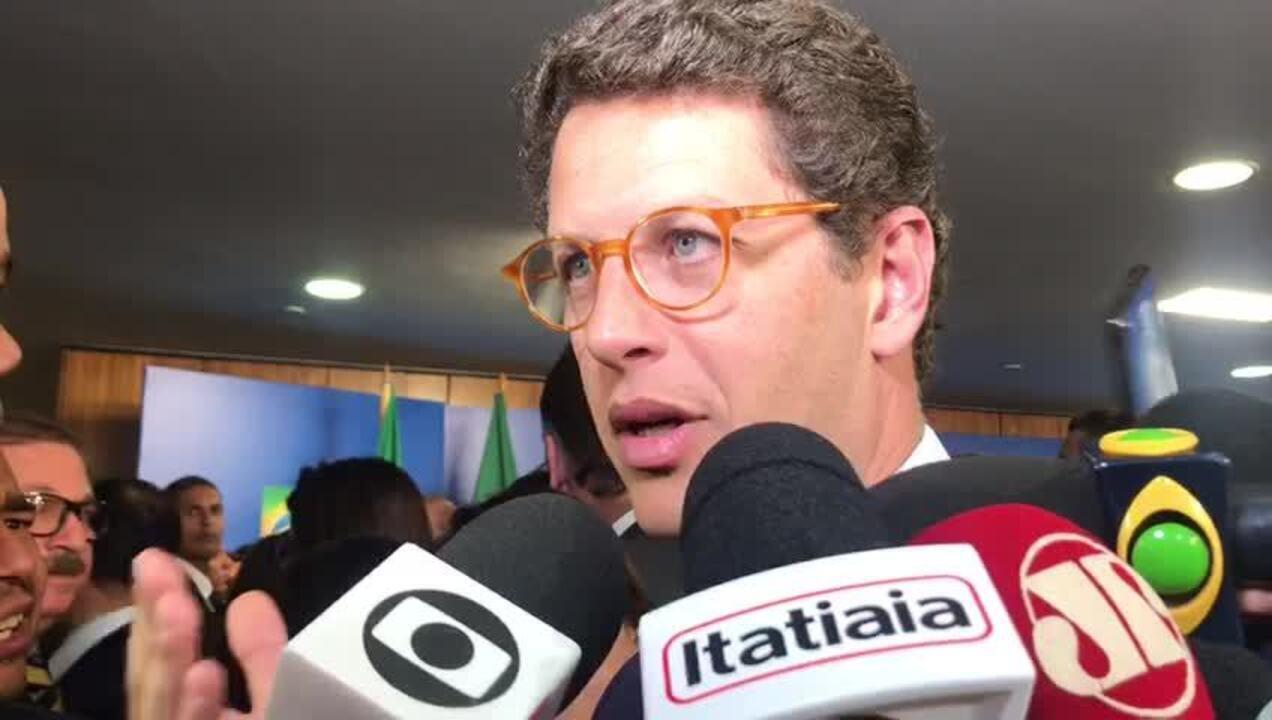 Ricardo Salles (Meio Ambiente) disse que fará uma vistoria em Fernanda de Noronha