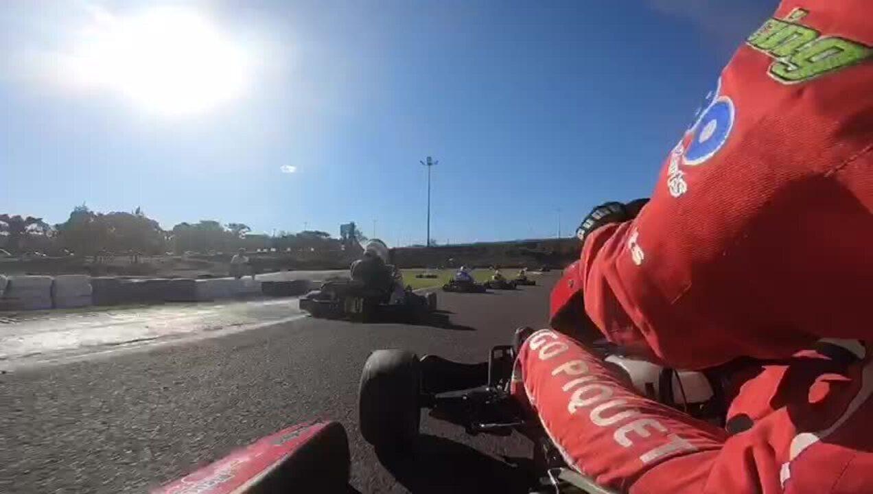 Rodrigo Piquet mostra como é uma corrida no Kartódromo Delci Damian, em Cascavel