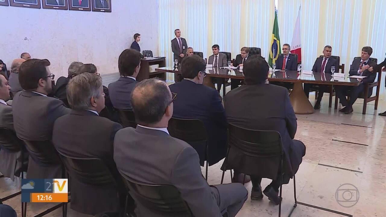 Governador de MG e deputados discutem perda fiscal do estado por causa da Lei Kandir