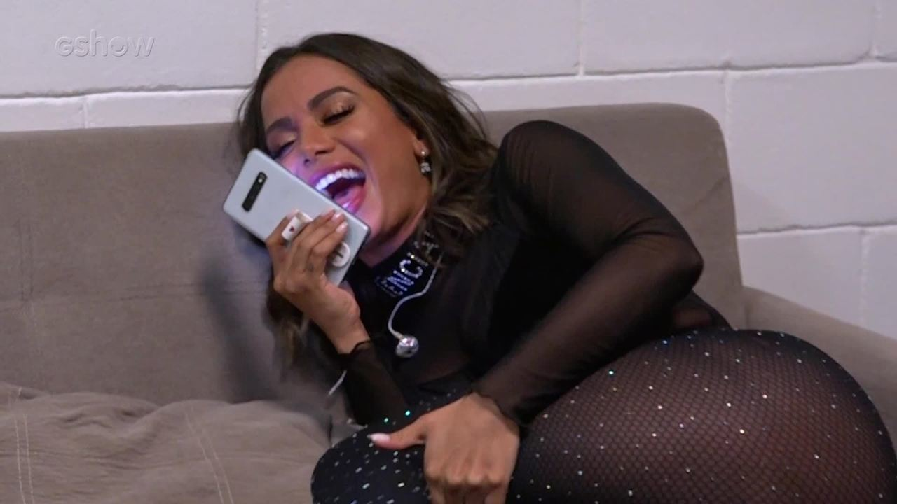 Anitta nos bastidores do 'Caldeirão do Huck'
