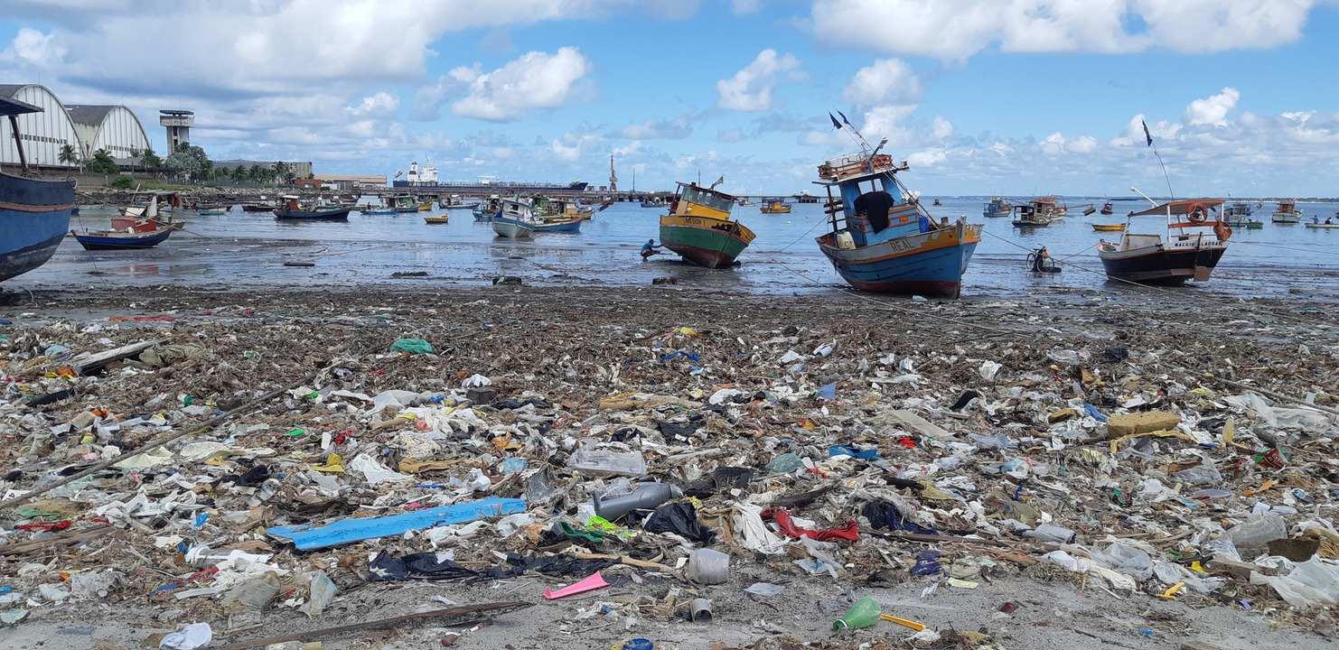 Falta de tratamento de esgoto ameaça o turismo e a saúde da população de Alagoas