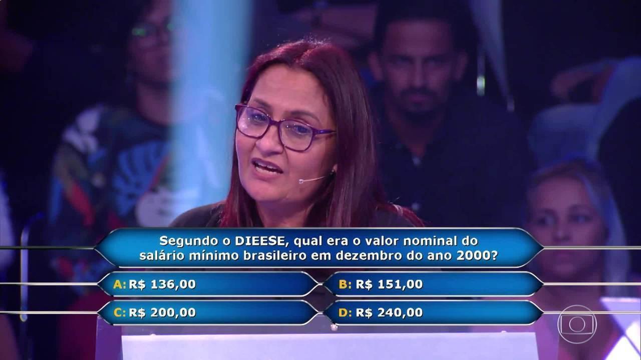 Professora Minelva continua participação no 'Quem Quer Ser um Milionário'