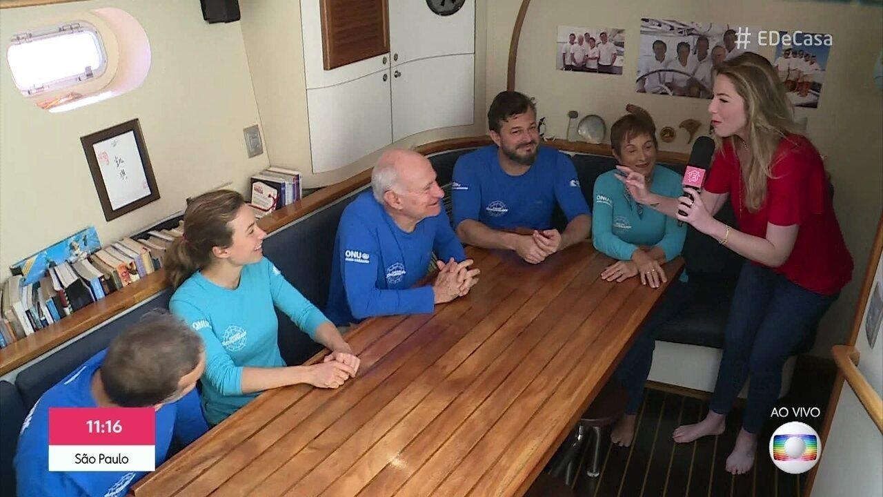 Família Schurmann mostra casa flutuante