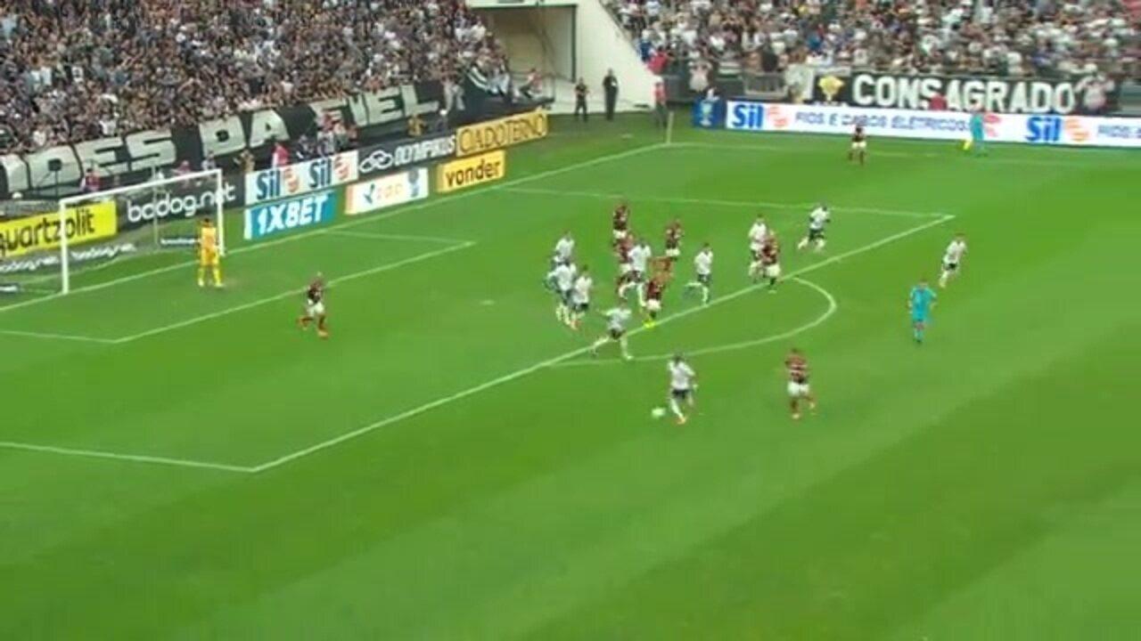 Veja o contra-ataque que originou o pênalti para o Corinthians diante do Flamengo