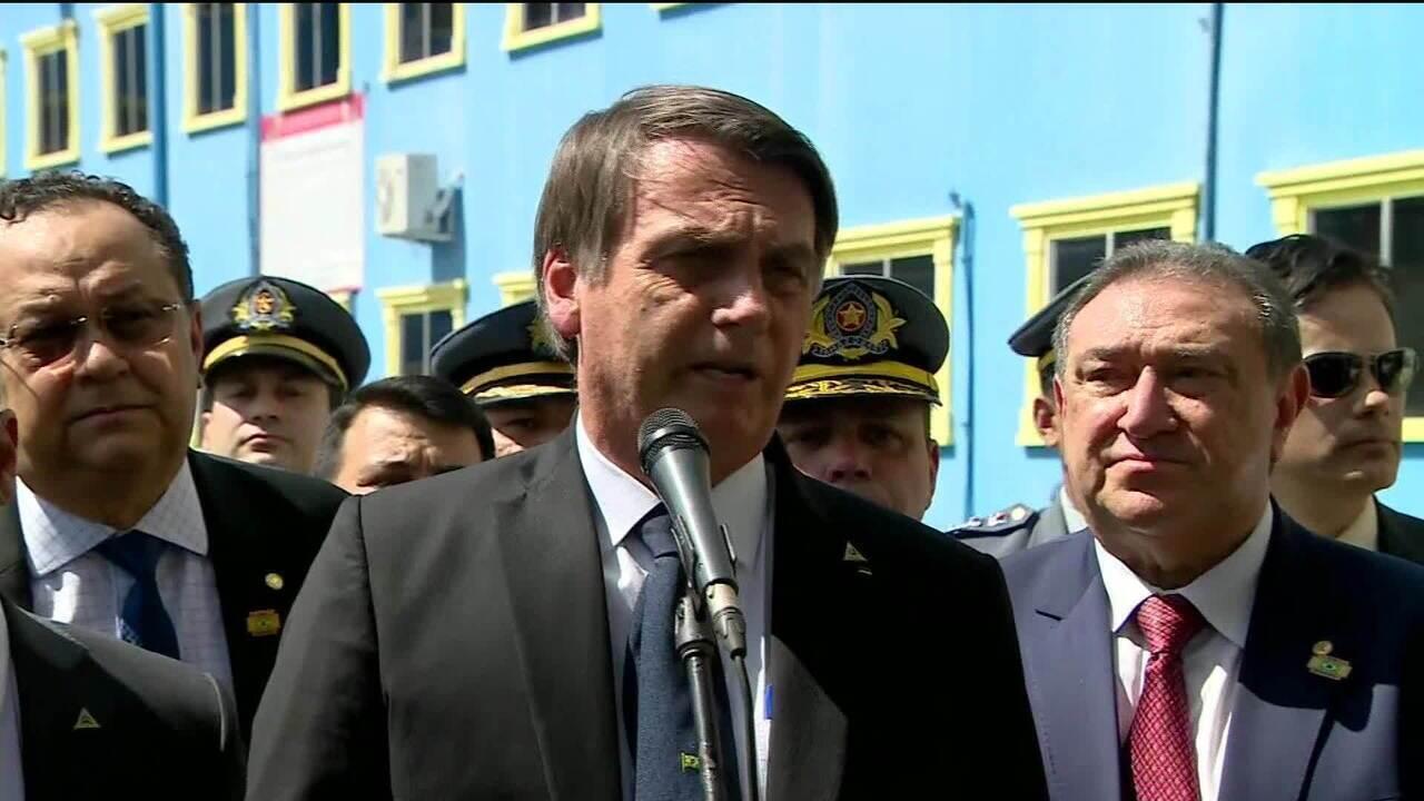 Resultado de imagem para 'Não vão encontrar nada que comprometa', diz Bolsonaro após ação de hackers