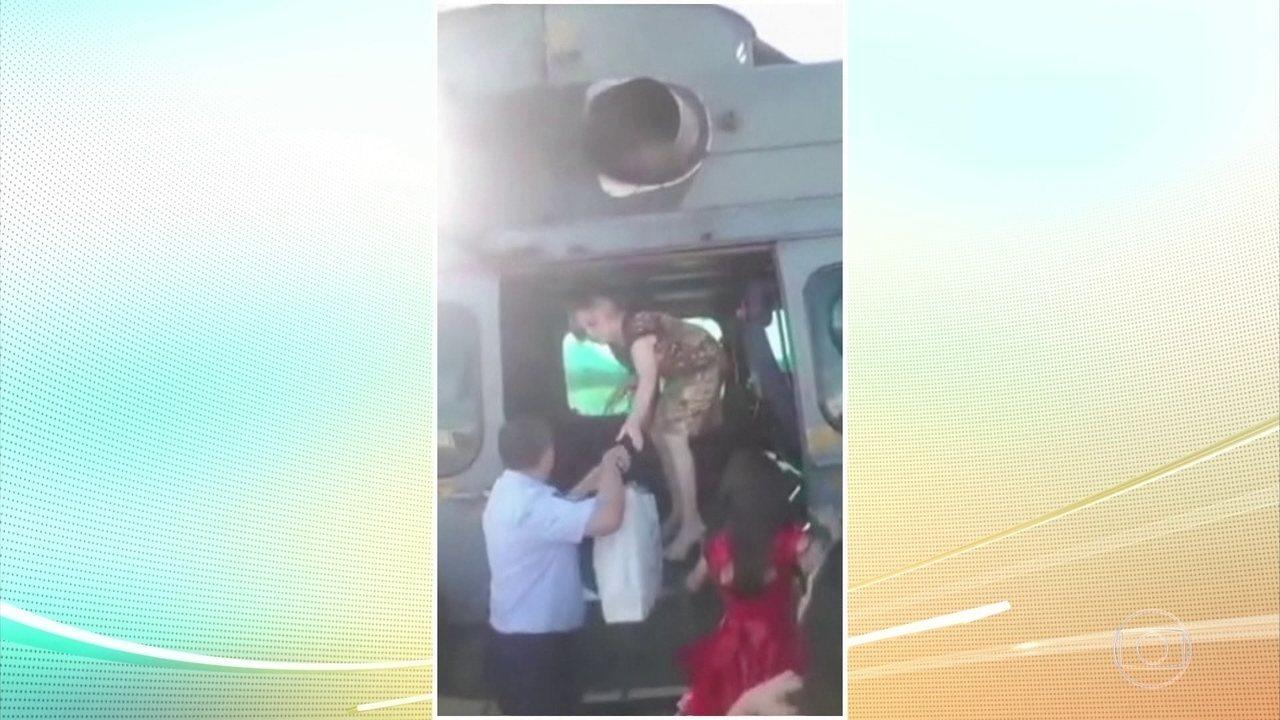 Parentes de Jair Bolsonaro usaram helicóptero da FAB para ir ao casamento do filho dele