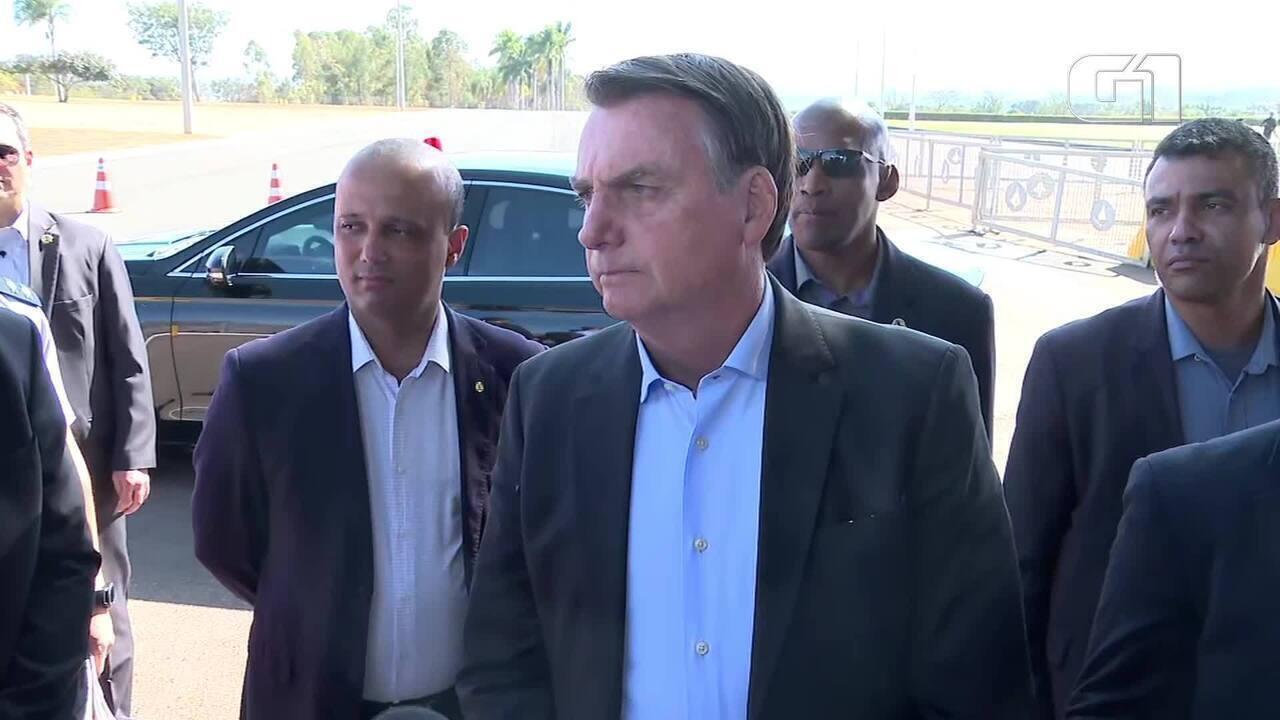 'Não é desarmando o povo que você vai evitar', diz Bolsonaro após ataques nos EUA
