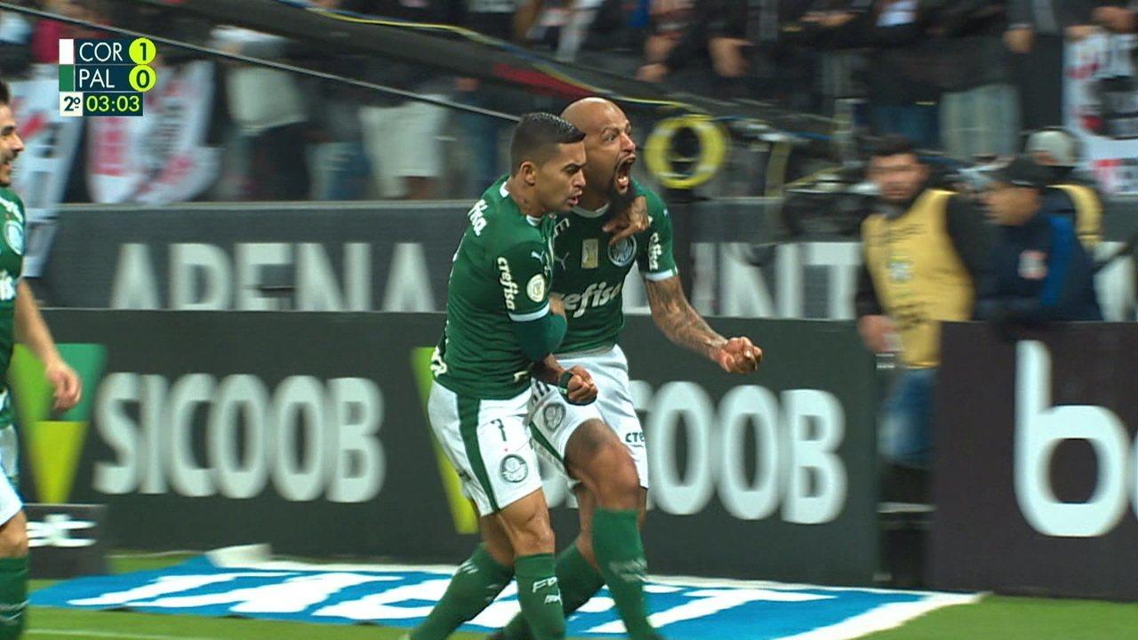 Gol do Palmeiras! Bola lançada na área, Felipe Melo sobe alto e cabeceia para empatar, aos 02' do 2º tempo