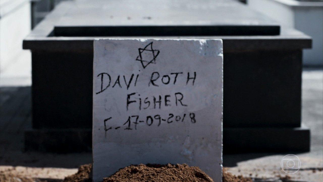 Davi é enterrado