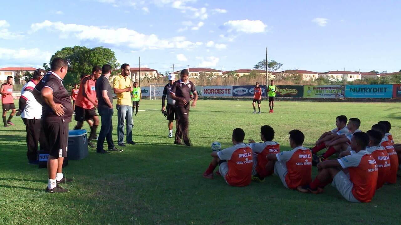 River-PI apresenta José Roberto Silva, novo técnico do sub-19