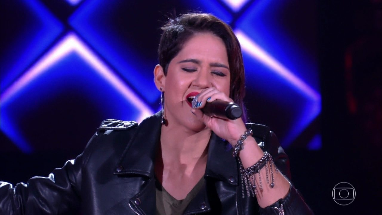 "Catarina Rosa canta ""The Show Must Go On"""