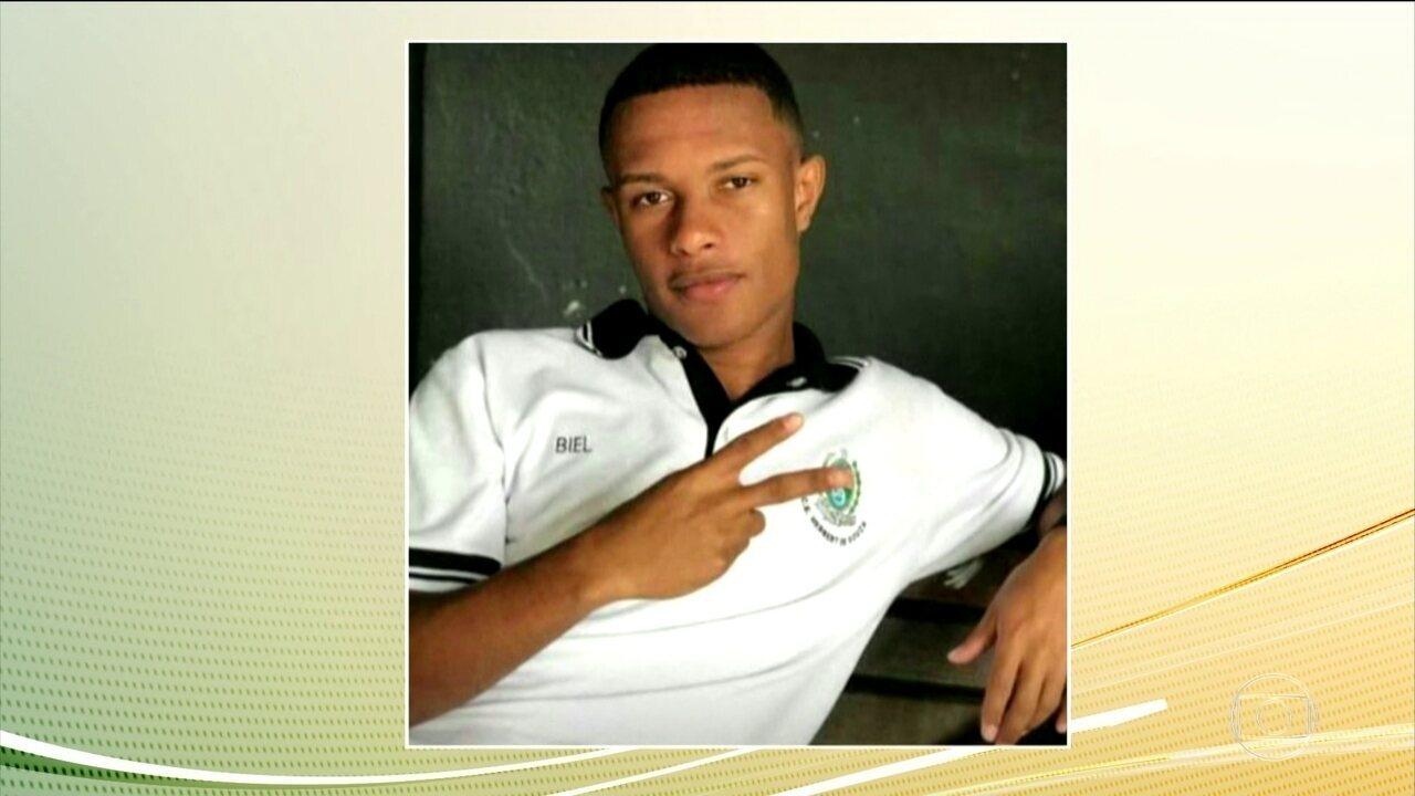 Estudante de 18 anos morre atingido por bala perdida na Zona Norte do Rio