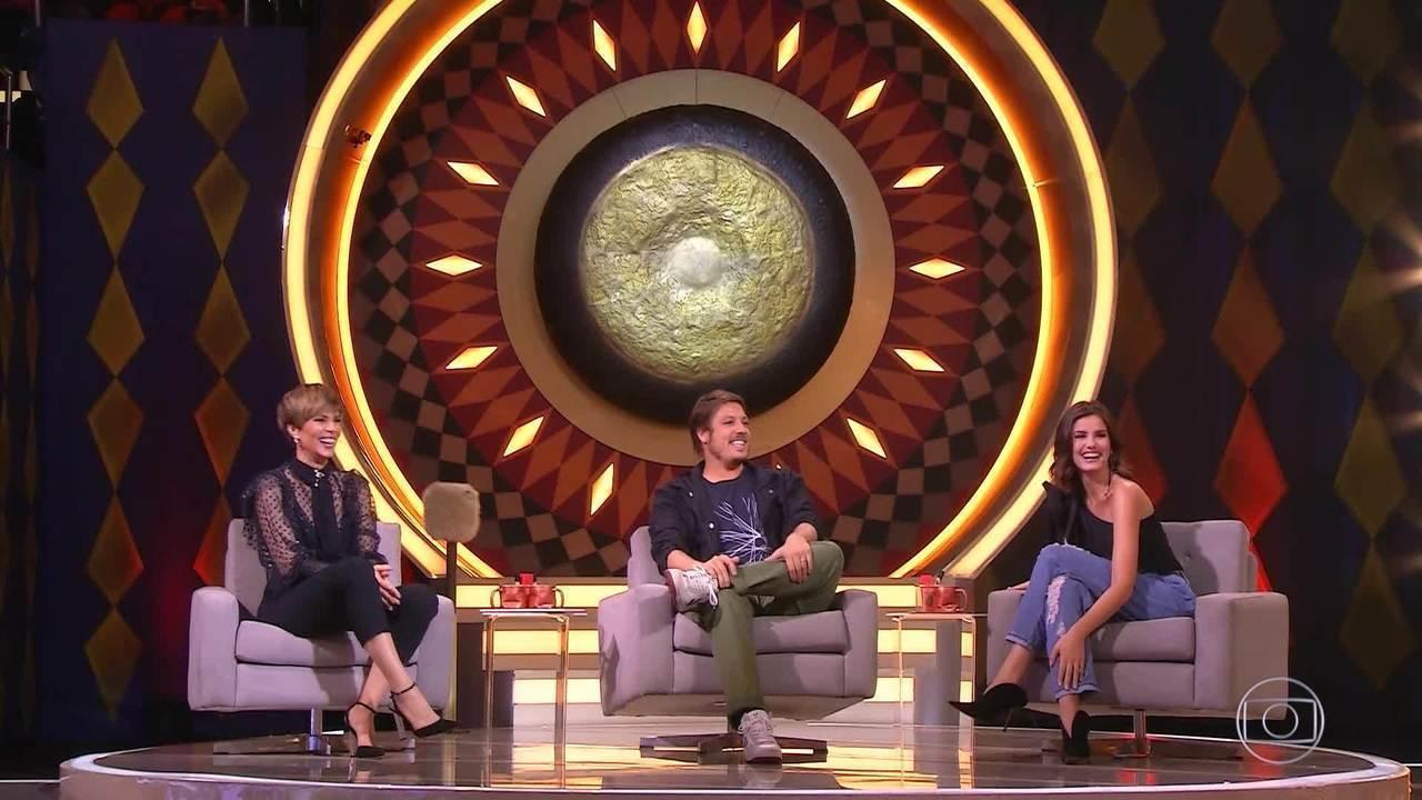 Ana Furtado, Camila Queiroz e Fábio Porchat avaliam participantes no Gonga La Gonga