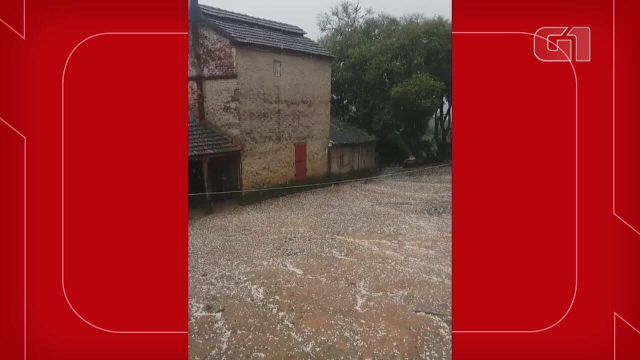 Chuva de granizo atinge municípios no interior do Rio Grande do Sul