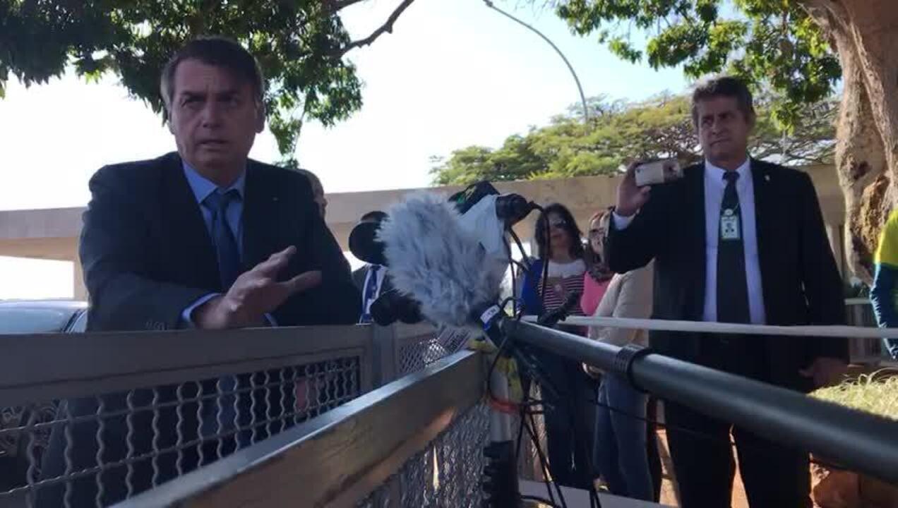 Bolsonaro disse que discorda de punição a policial que algemar preso sem necessidade