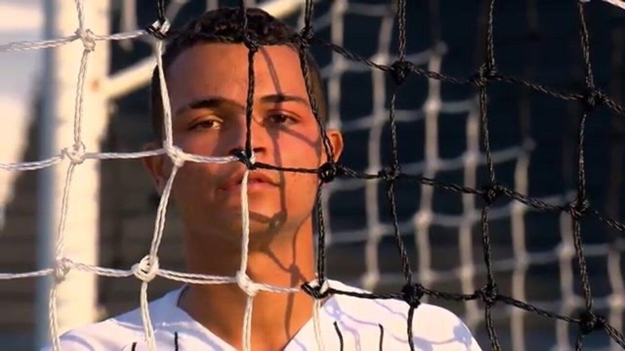 Conheça Riquelme, volante do sub-17 do Corinthians
