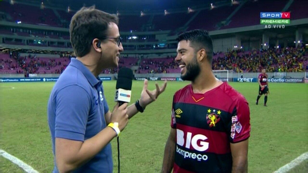"""Leandrinho fala sobre """"chifrinho"""" em Elton e dedica gol ao pai"""