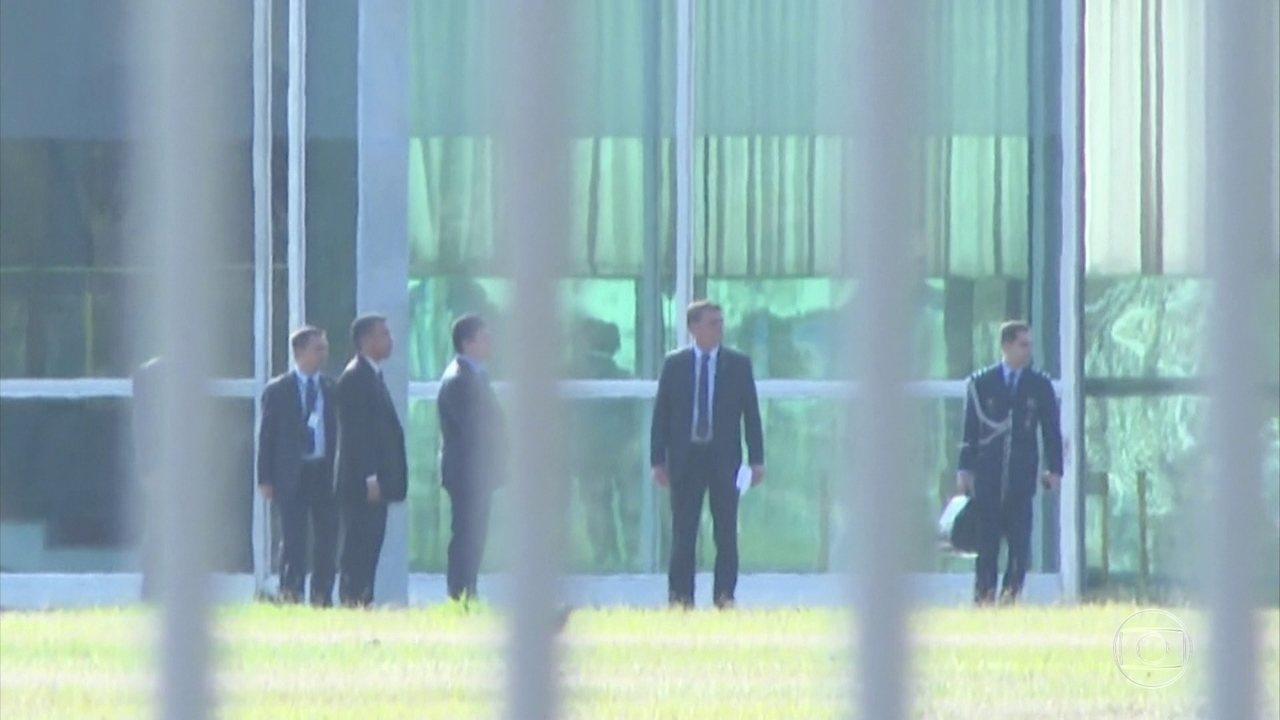 O presidente Jair Bolsonaro recebeu o ministro da Justiça e Segurança Pública, Sergio Moro, no Palácio da Alvorada