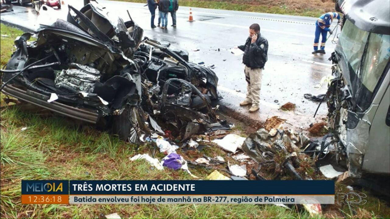 Três pessoas morrem em acidente envolvendo carro e caminhão na BR-277