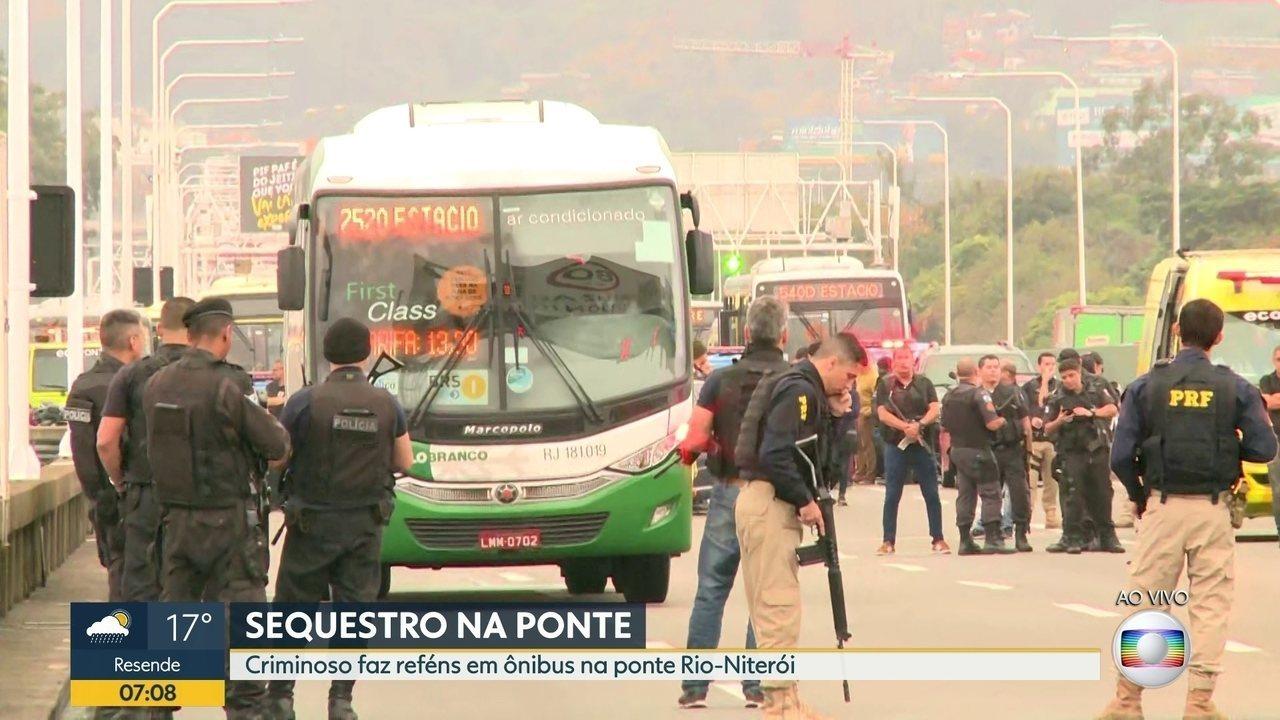 Sequestro de ônibus na Ponte: esposa de refém comenta que conseguiu contato com marido