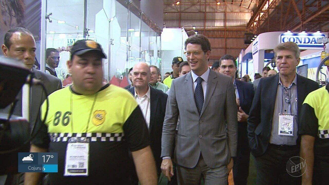 Ministro do Meio Ambiente participa da abertura da Fenasucro em Sertãozinho