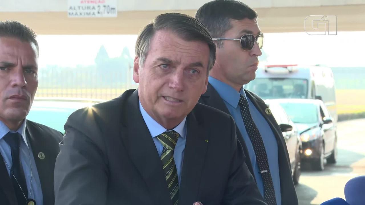 Resultado de imagem para Sem provas, Bolsonaro liga queimadas a ONGs e a governadores coniventes