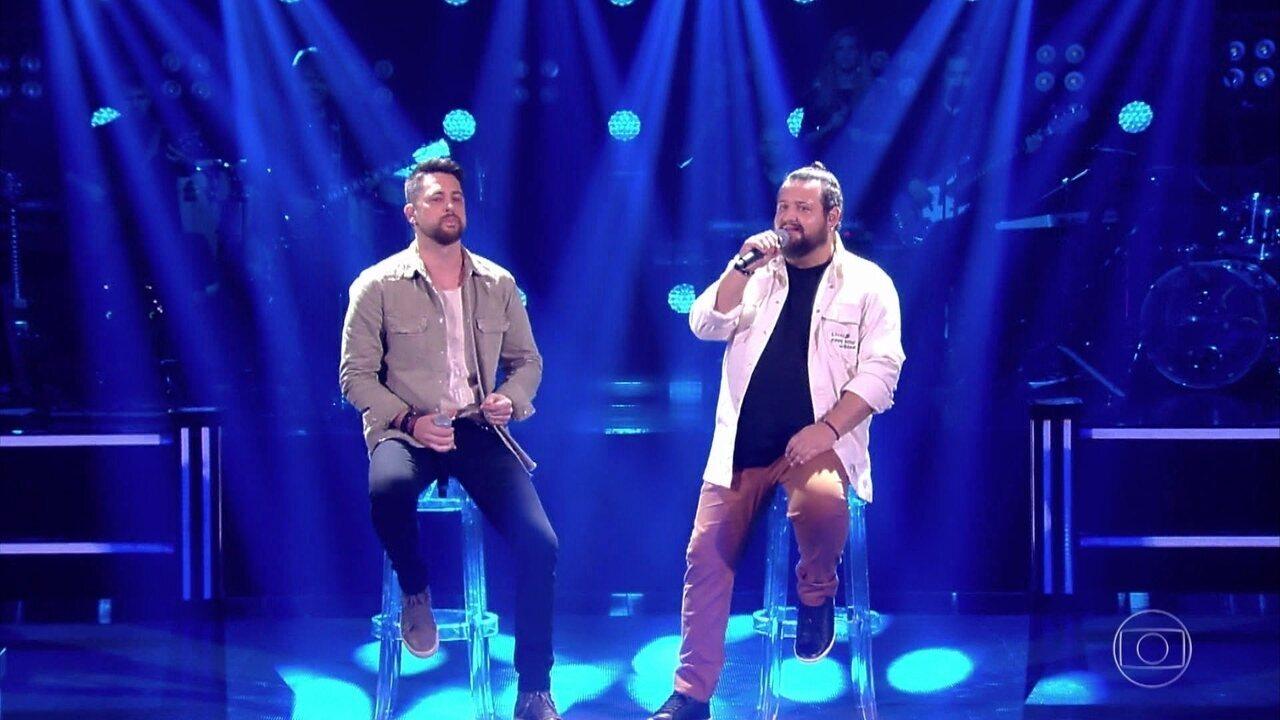 """Dani Vendramini e Rik Oliveira cantam """"Se Eu Quiser Falar Com Deus"""""""