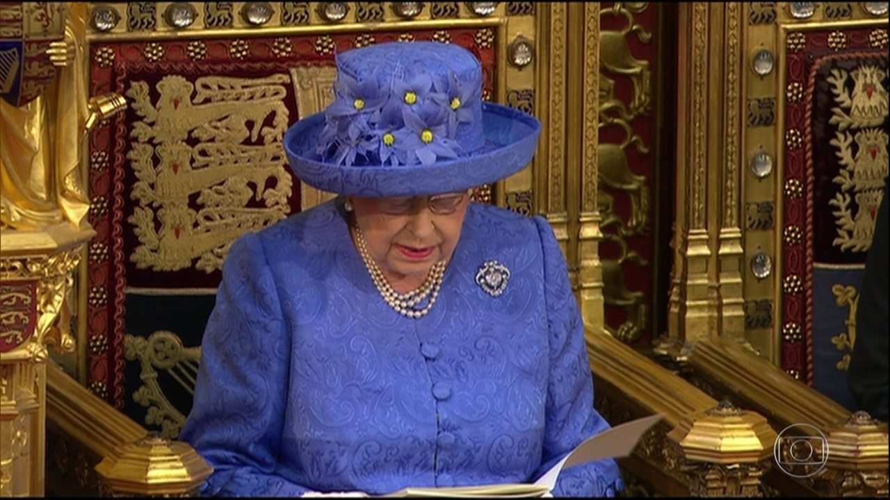 Rainha suspende Parlamento britânico a pedido de primeiro-ministro