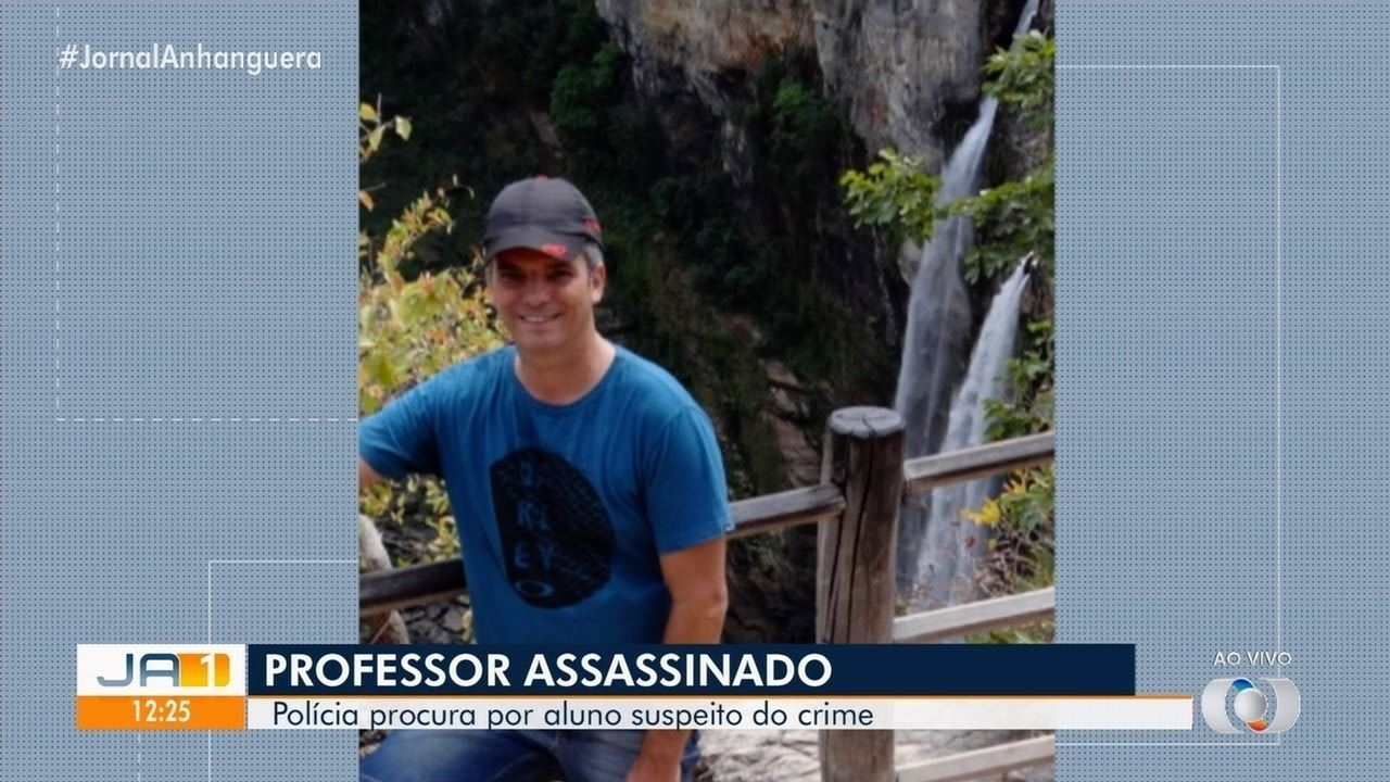 Corpo de coordenador morto dentro de escola é velado em Águas Lindas de Goiás