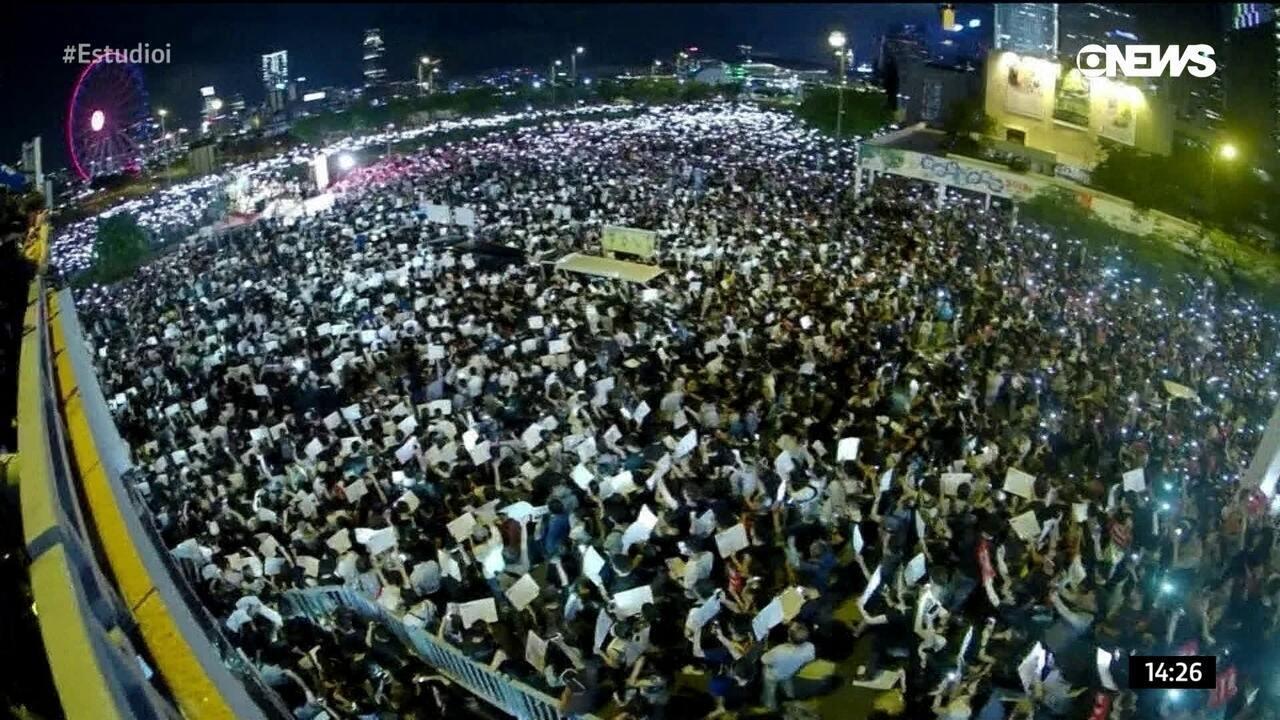 """Música de """"Os Miseráveis"""" vira canção de protesto para os manifestantes de Hong Kong"""