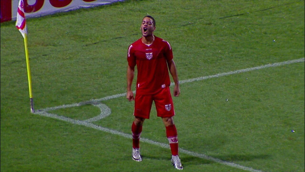 Gol do CRB! Felipe Ferreira faz um golaço de voleio, aos 23' do 1º tempo