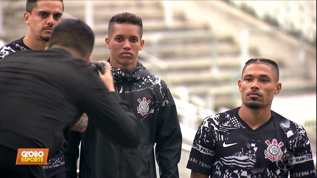 Corinthians lança uniforme que homenageia famosas invasões da Fiel
