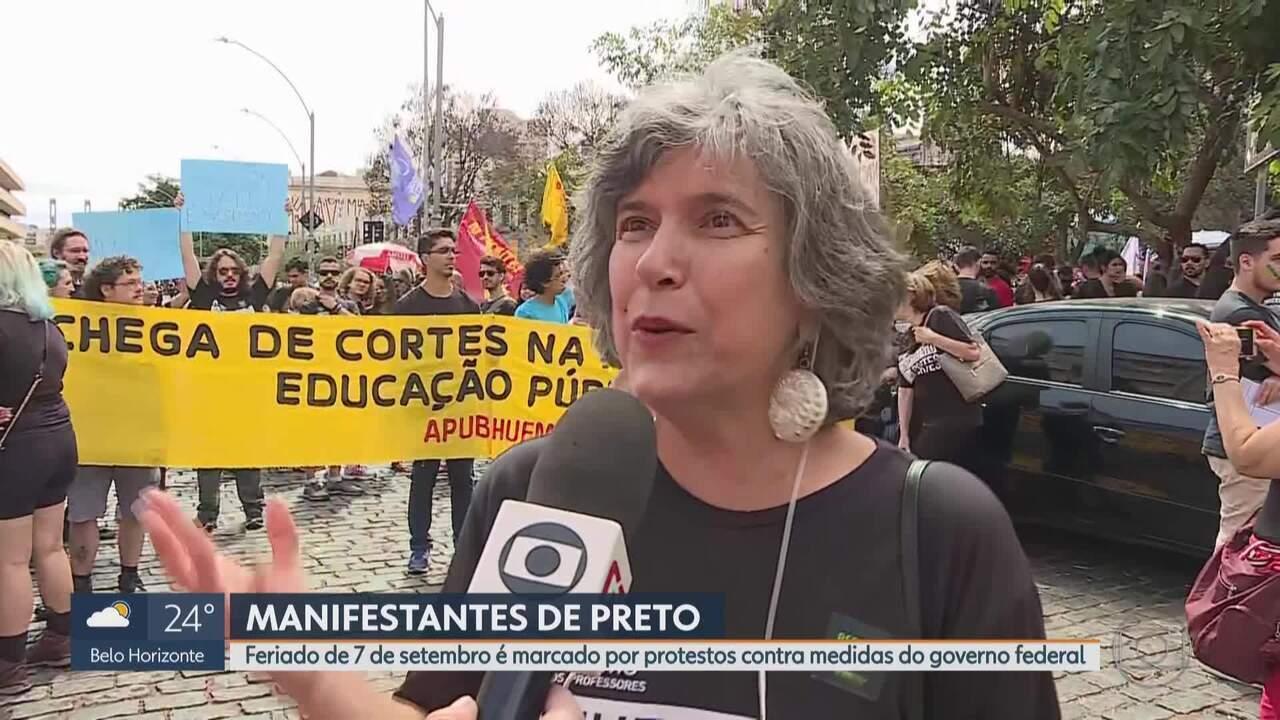 Grupos se manifestam em BH no dia da Independência do Brasil