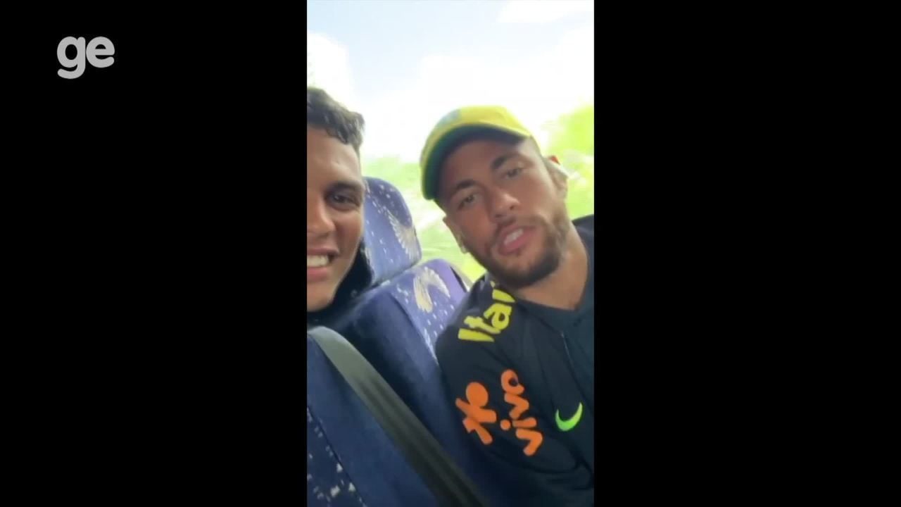 Neymar manda recado para fã que sonha em jogar futebol