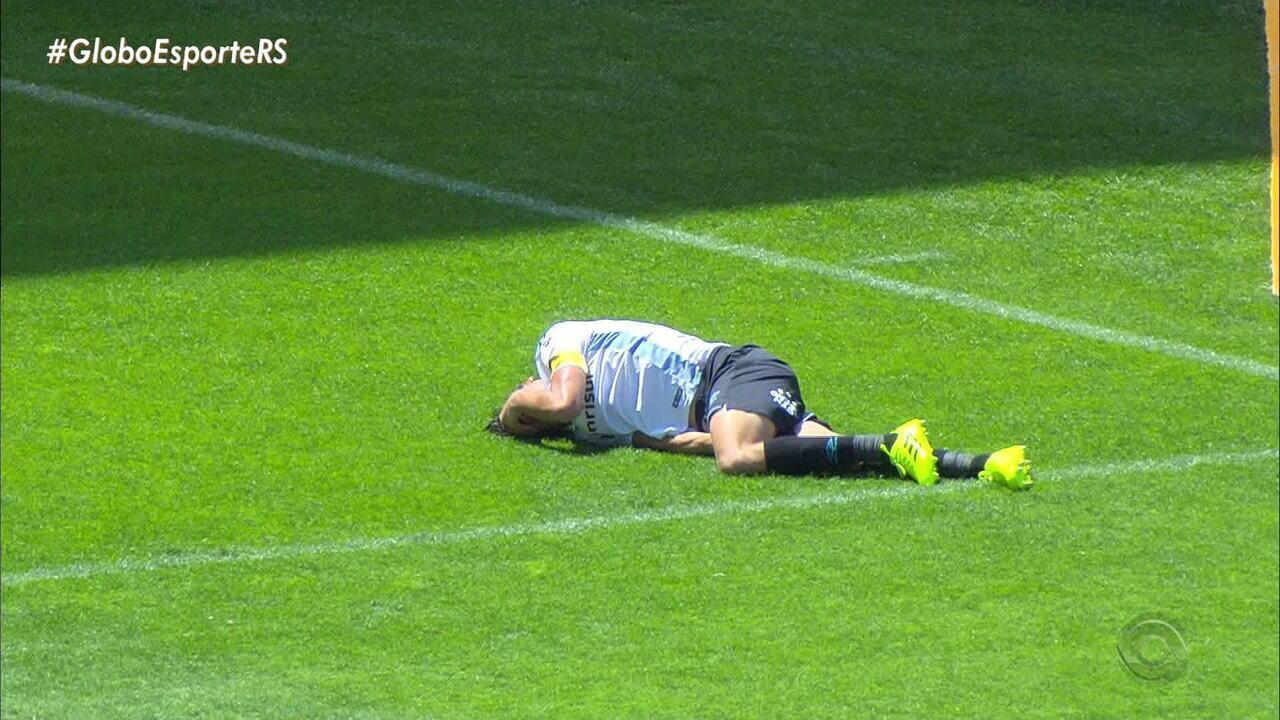 Geromel sofreu lesão muscular contra o Cruzeiro; veja o lance