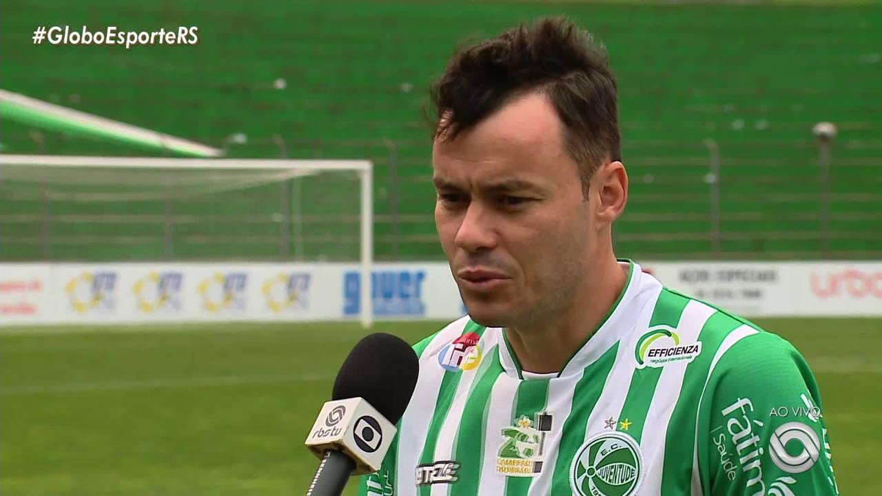 Renato Cajá agradece carinho da torcida e festeja acesso com o Juventude para a Série B