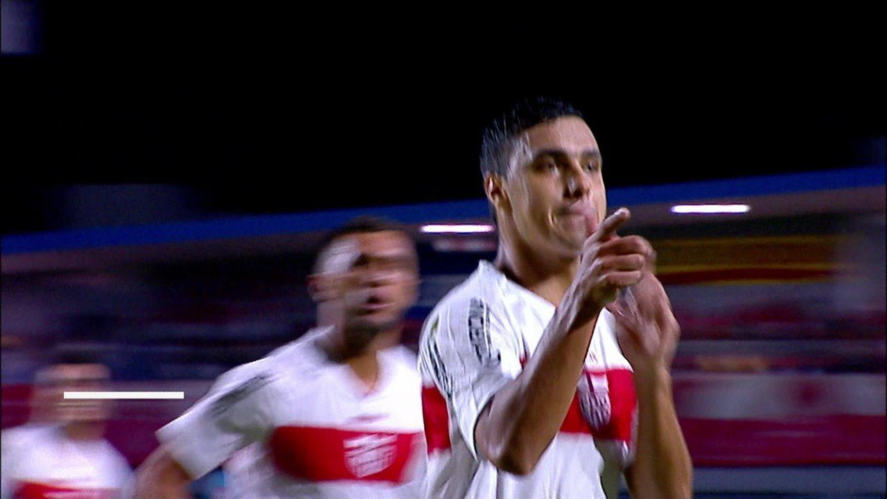 Gol do CRB! Alisson Farias recebe na intermediária e manda no ângulo aos 24 do 2º tempo