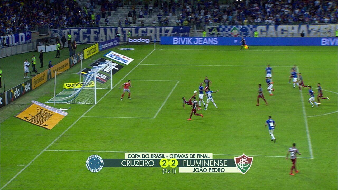 Reveja o gol de João Pedro
