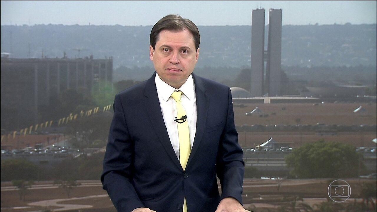 'Não se pode relativizar a democracia', reage STF à declaração de Carlos Bolsonaro