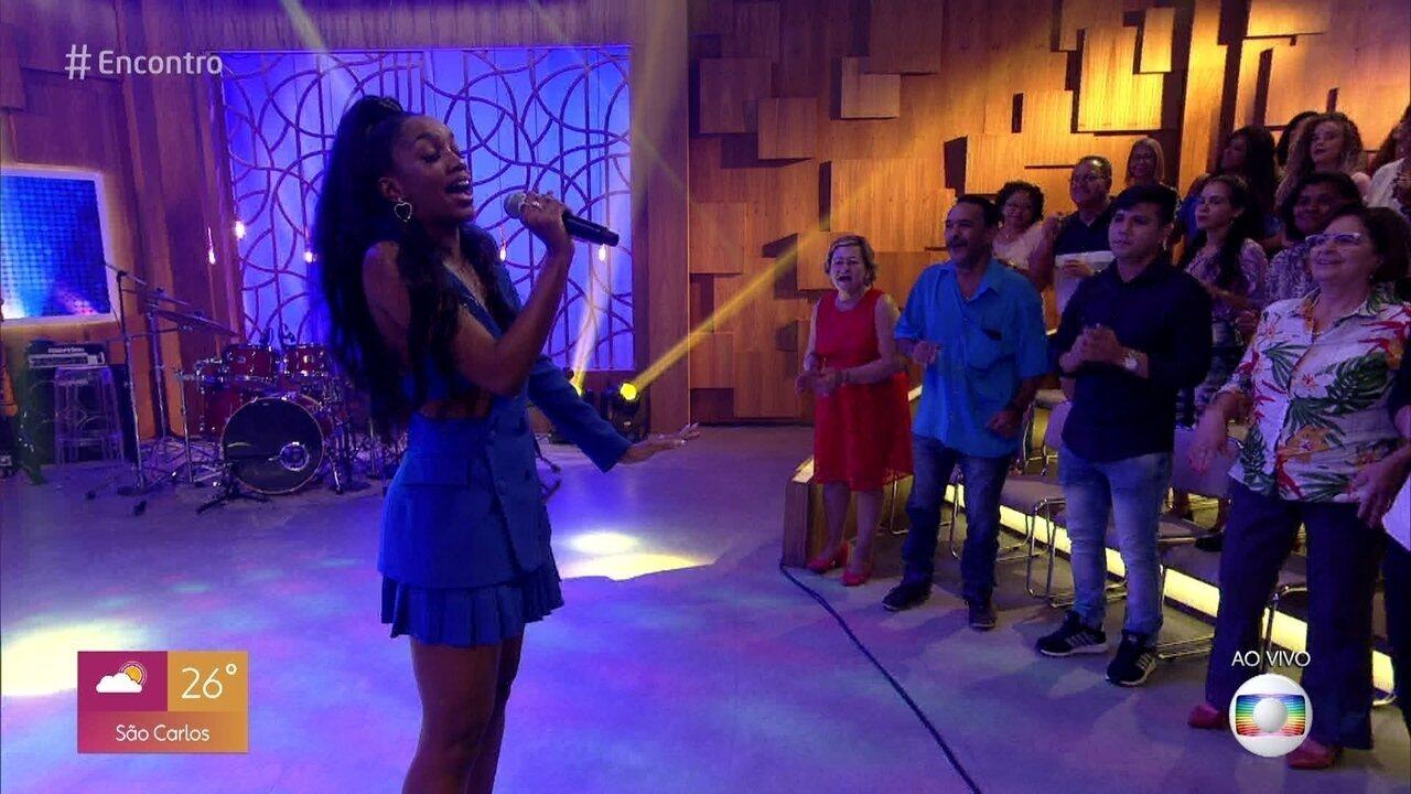 Iza canta 'Meu Talismã'