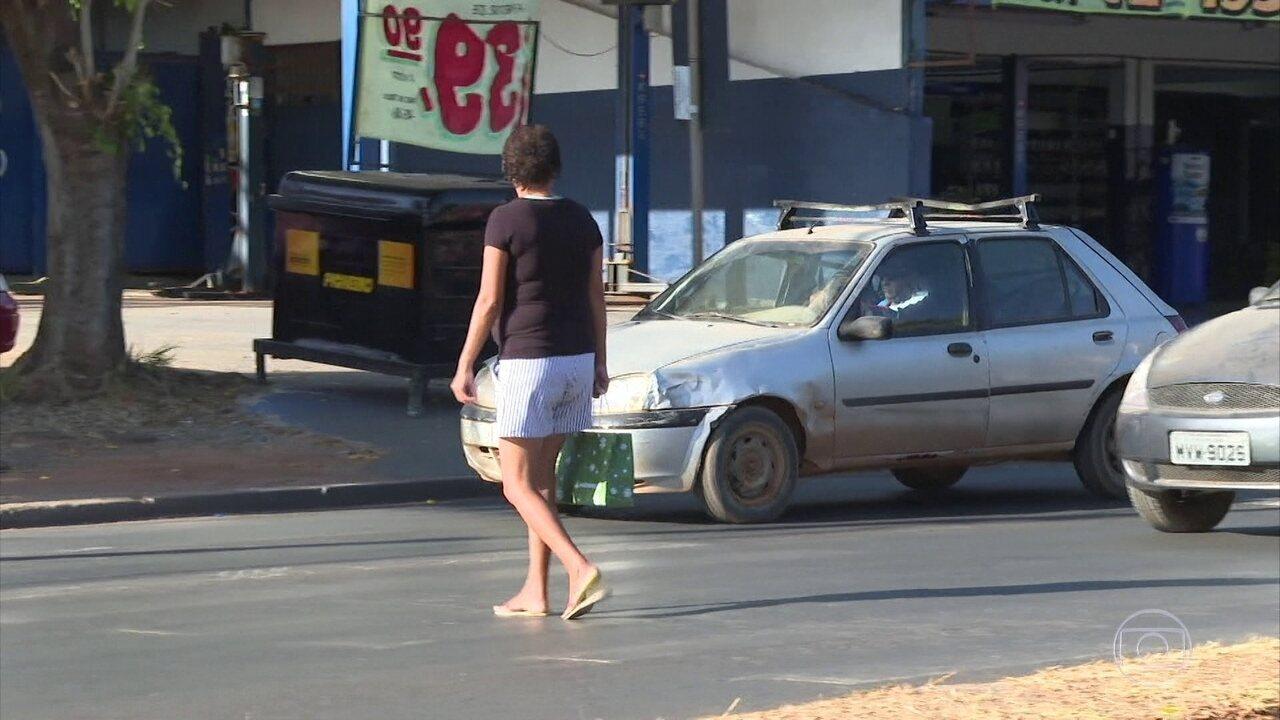 Faixa de pedestres de Brasília estão apagadas apesar da fama de capital segura