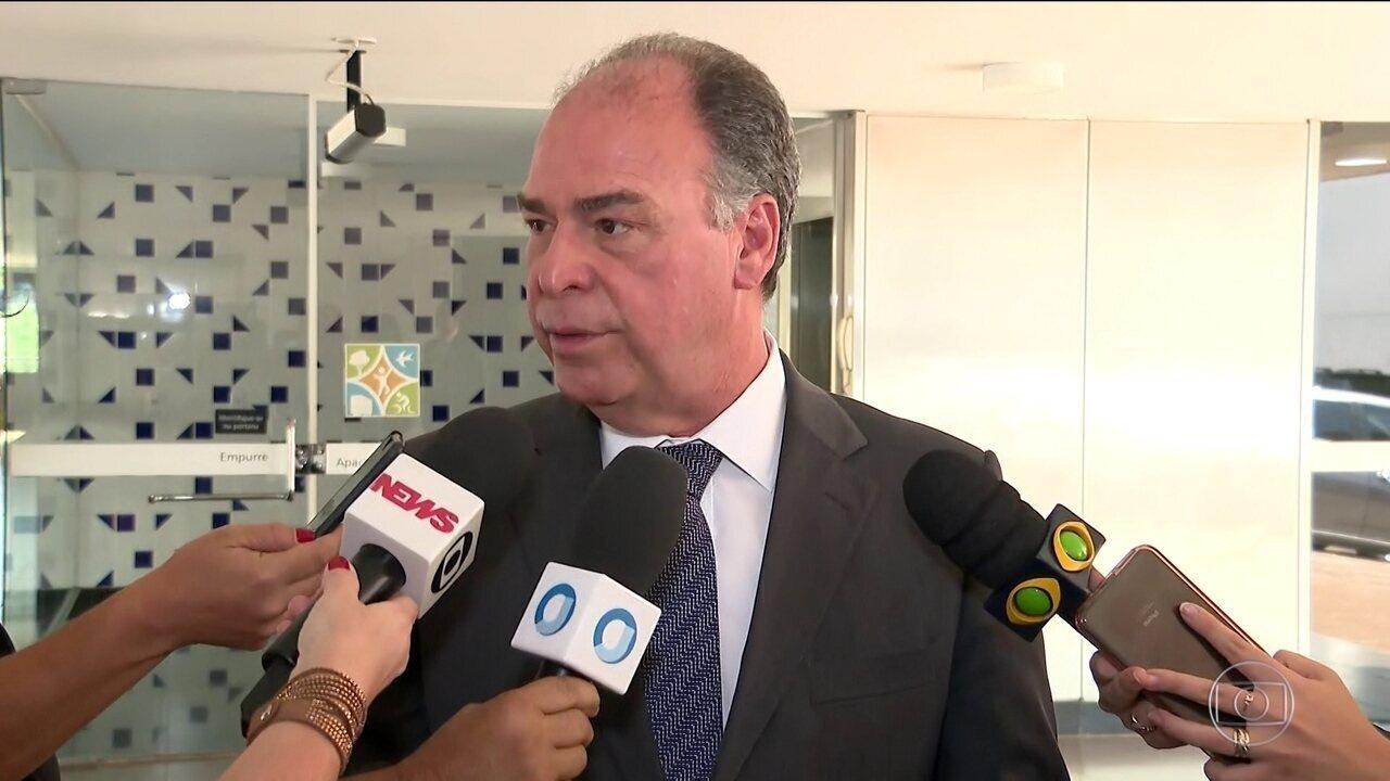 Líder do governo no Senado, Fernando Bezerra, é investigado por propina